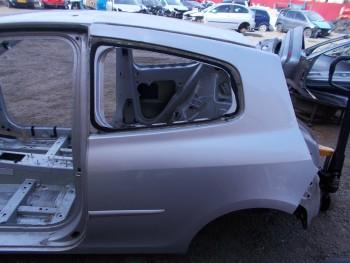 Aripa spate  Renault Clio  (2009 - 2012)