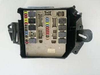 Bloc sigurante / relee Renault Clio  - 8200587123 (2009 - 2012)