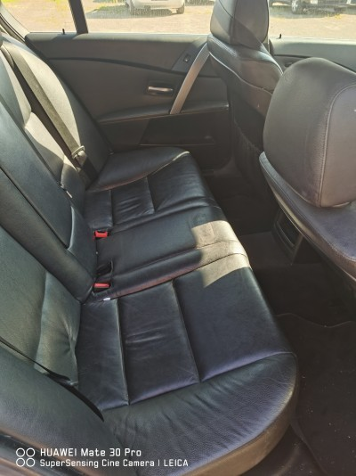 BMW 530    (2004) 3.0 215 CP Motorina