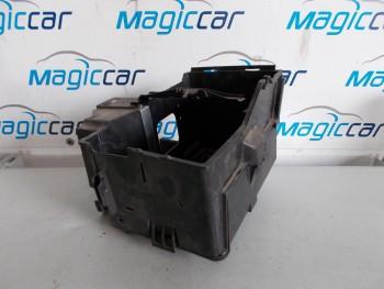 Capac baterie Ford Focus Benzina  - 3M51-10723-AP (2004 - 2009)