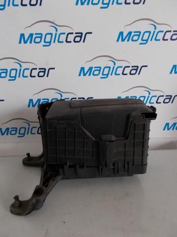 Capac baterie Volkswagen Golf 5Benzina  - 1K0915333 C (2004 - 2010)