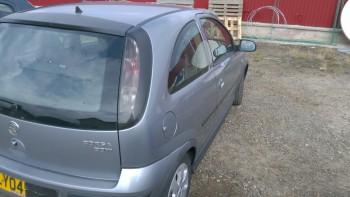 Opel Corsa C   (2004) 1.3 70 CP Motorina