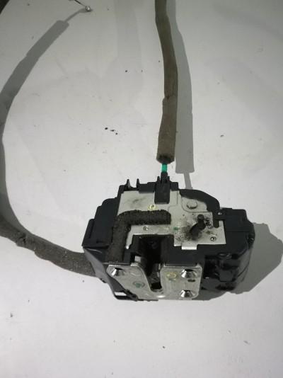 Incuietoare usa Nissan Qashqai  - - (2007 - 2010)