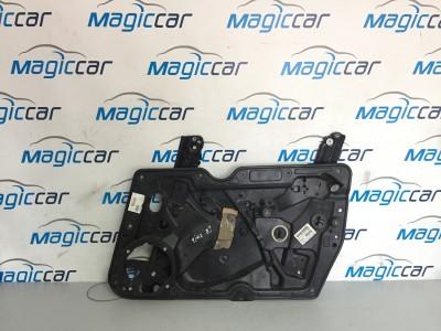 Macara usa  Volkswagen Golf  - 5K2837730P