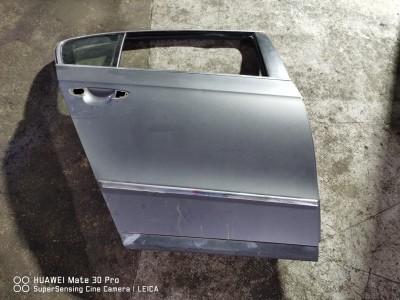 Portiera (Usa) fata dreapta Volkswagen Passat Motorina  (2005 - 2010)