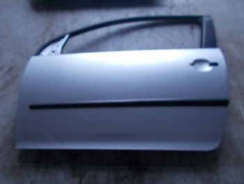 Portiera (Usa) fata stanga Volkswagen Golf (2004 - 2010)
