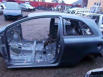Prag stanga Toyota Yaris  (2006 - 2011)
