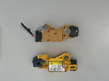 Senzor impact Opel Signum  - 13243704 / 13243705 (2004 - 2010)