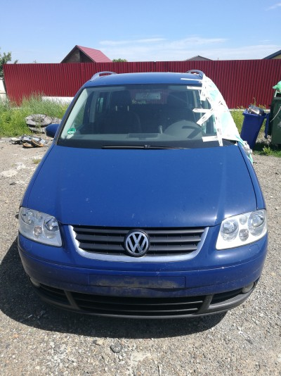 Volkswagen Touran   (2005)